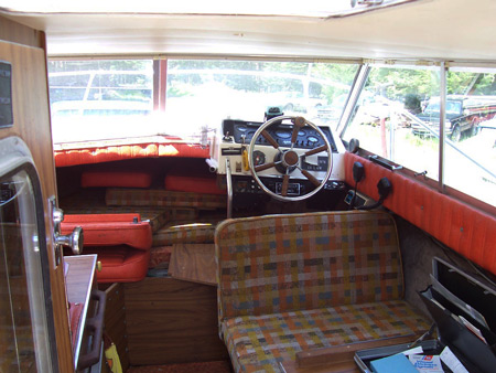 24 Ft Command Bridge Bellboy Cabin Cruiser